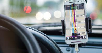 phone-in-car-holder