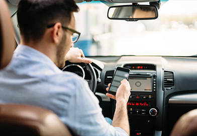 American drivers think texting and driving is not dangerous